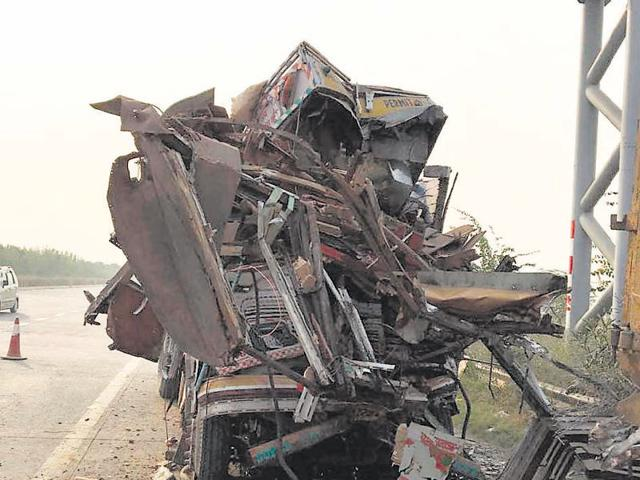 Officials speculated that the driver probably failed to spot the parked vehicle and rammed into it. The incident took place nearly 4km from the zero point.
