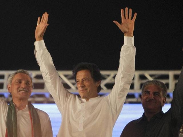 Pakistan's cricketer turn politician Imran Khan has announced a protetst rally against PMNawaz Sharif on November 2, for which religious and militant groups are backing the PTI leader.