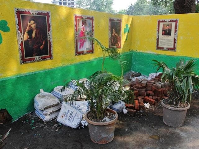 Anti-noise activist Dr Mahesh Bedekar painted and beautified the area with the help of hired workers.