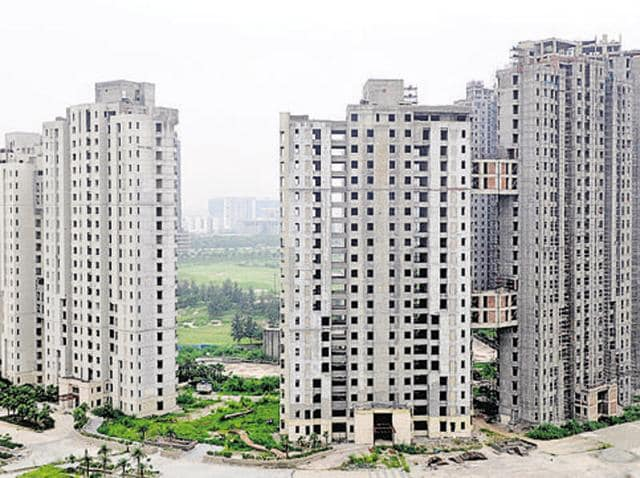 The Delhi high court on Monday stayed the execution of non-bailable warrants against three top officials of real estate major Unitech Ltd.