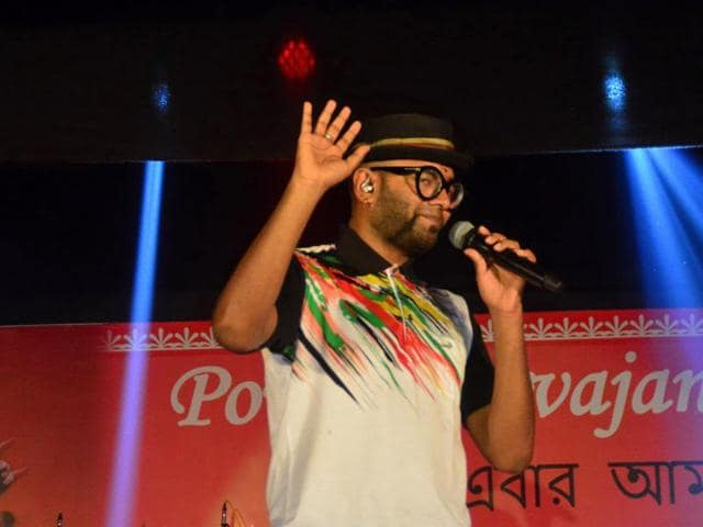 Playback singer Benny Dayal wants to sing different types of songs.