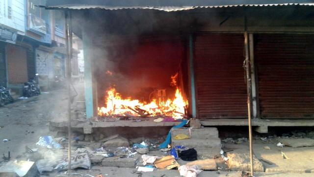 Communal clashes were reported from Gandhwani, Pipliya, Dhamnod, and Dedla in Dhar district after tension between two communities on October 12. Arson, rioting and stone pelting was reported in the clashes.(HT file)