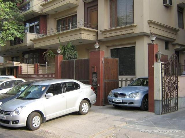 There is more demand for newly built stilted properties in South Delhi versus those that are over six years old  and without stilts this festive season.