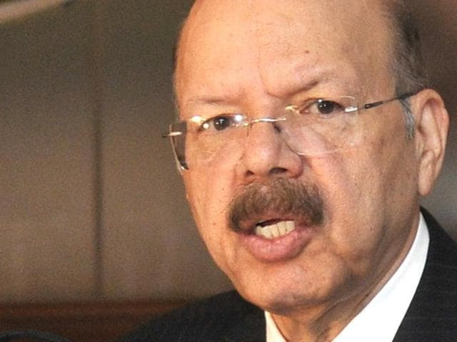 CEC Nasim Zaidi and other officials interacting with the media in Chandigarh on Tuesday.