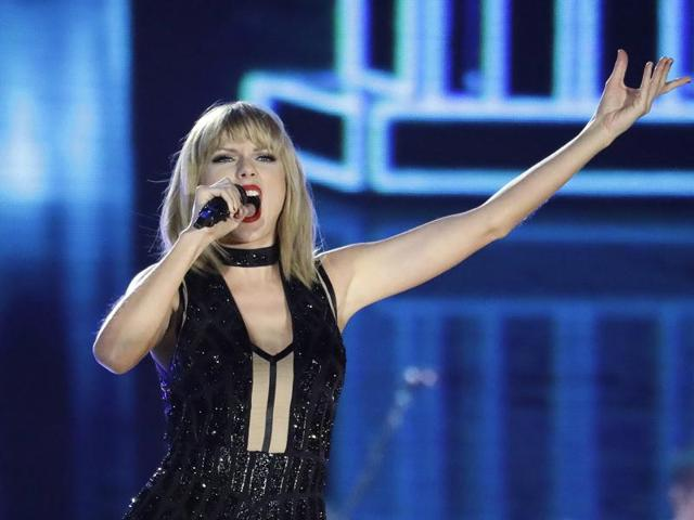 Taylor Swift completes 10 years in music industry in 2016.