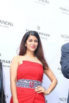 Nimrat Kaur during the launch of Forevermark diamonds festive collection at Notandas & Sons Jeweller in Mumbai.(IANS)
