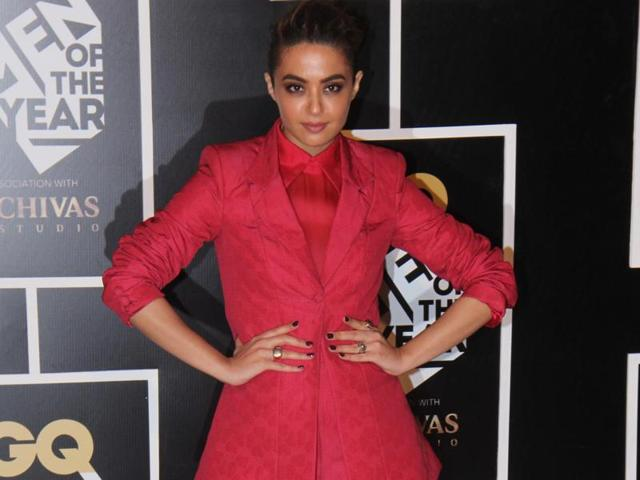 Actor Surveen Chawla says she became really close friends with her co-stars.