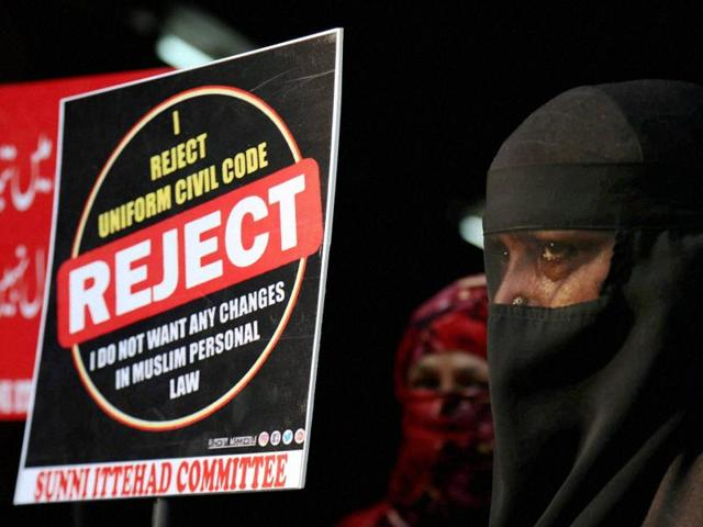 Muslim women protest against the government's move to abolish triple talaq , Mumbai, October 22