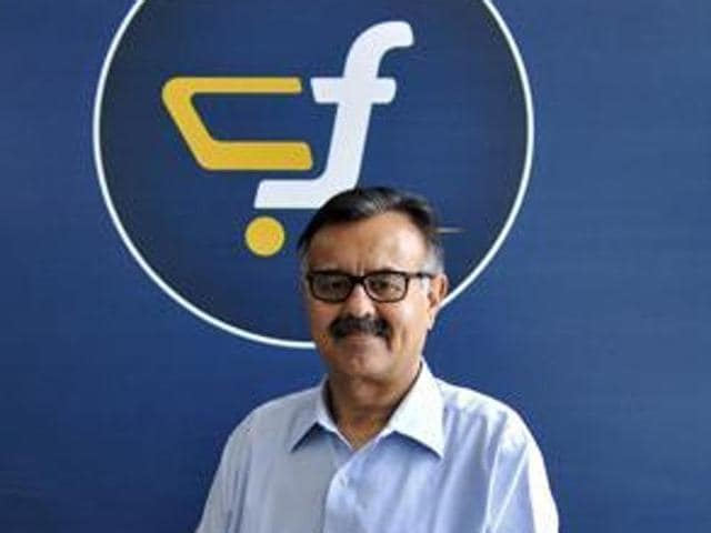 The departure of Sanjay Baweja comes during the Indian festive season, a crucial time for sales, and as Flipkart engages in talks with US retailer Wal-Mart Stores Inc to raise up to $1 billion for a minority stake.