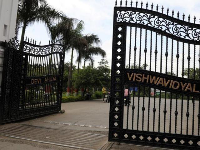 Indore,iris scanners,Devi Ahilya Vishwavidyalaya