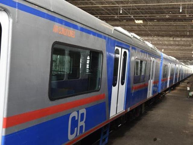 pavel,mumbai local,local train