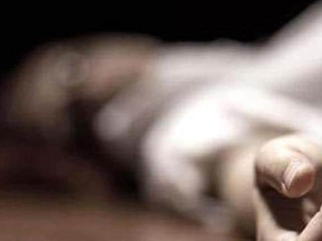 The charred body of an unidentified man was found in a Maruti Wagon R in Badalpur in Ghaziabad on Wednesday morning.