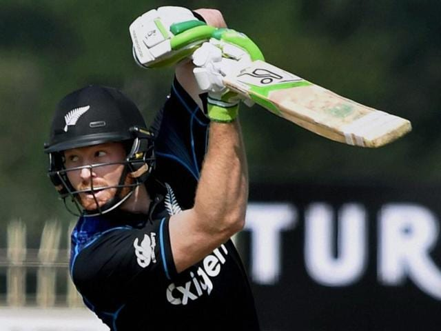 Guptill hit 12 boundaries in his 84-ball innings of 72.