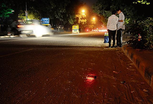 The Municipal Corporation of Gurgaon has installed delineator reflectors on Sector 40 road.