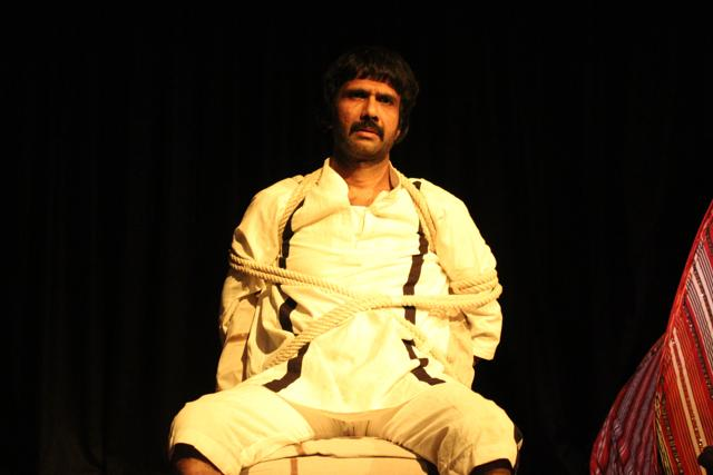 In the production, Mohammad Ali Baig plays Turram Khan, in the last few moments with his captor