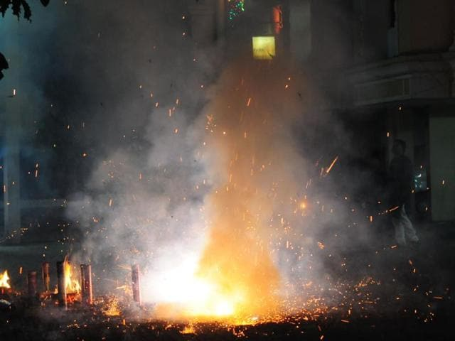 Fire crackers,Sahibabad,Fire at cracker factory