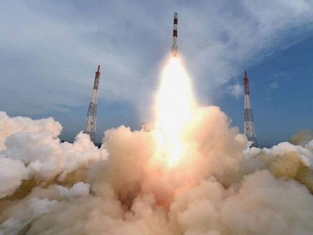 Indian Space Research Organisation (ISRO)'s PSLV C35 carrying SCATSAT-1 and seven other satellites, lifts off from Satish Dhawan Space Center in Sriharikota on Sep 26, 2016.