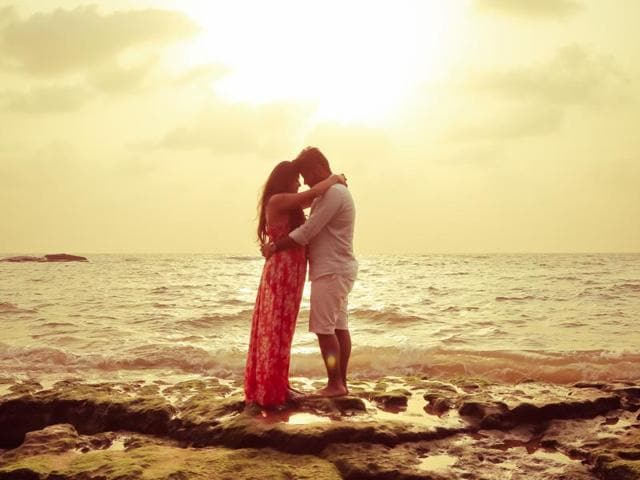 Ruchita and Sujay Pathak's 9minute 'music video' was shot by Seventy By Two Wedding Story in Jaisalmer.