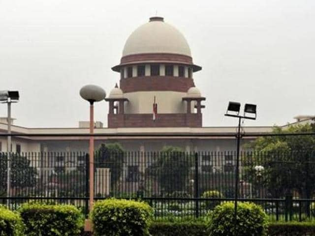 The blame game between the Centre and Supreme Court is not helping either in making the process of judges' appointments transparent or in filling vacancies.(Mohd Zakir /HT File Photo)