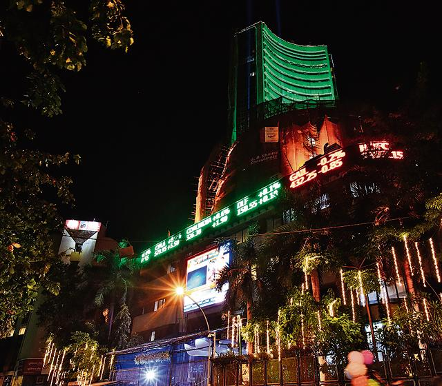 India's stock markets began Samvat 2073, the Hindu calendar year, on a tepid note, with both the benchmark BSE Sensex and NSE Nifty declining marginally on Sunday as near-term uncertainties like the outcome of the US Presidential elections and moves by the Federal Reserve weighed.(Arijit Sen/HT Photo)