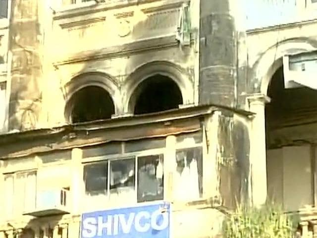 The blaze erupted on the first floor of the three storey building 'Sai Niwas' near Kaisar Hind hotel at around 3.45 pm.