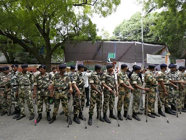 Nearly 1,500 Delhi Police personnel are deployed to provide security to 468 people, according to a RTIapplication.
