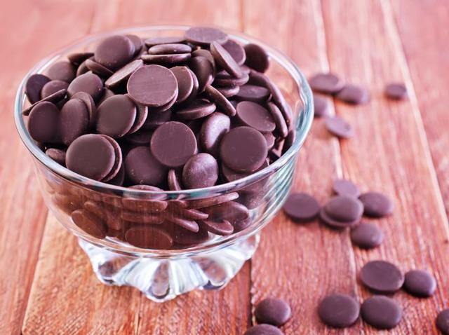 Couverture chocolate is a very high-quality chocolate that contains a higher percentage of cocoa butter than baking or eating chocolate.(Shutterstock)