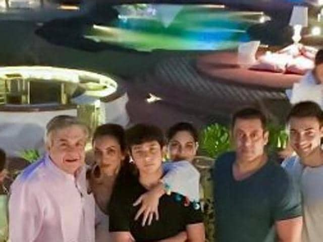 "Apart from Bollywood's 'Bhaijaan', brother-in-law Atul Agnihotri, brother Sohail, sister Arpita and nephew Ahil can be spotted in the picture, which he captioned ""Family Time""."