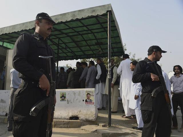 Pakistani police crackdown,Imran Khan,Nawaz Sharif