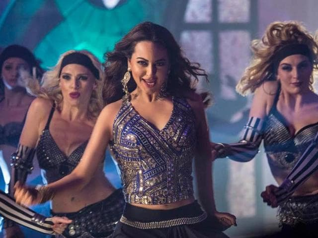 The sensuous track, is said to be Sonakshi Sinha's rendition of Kaate Nahi Katate. Sonakshi dons a a glamorous avatar for the song flaunting sexy moves.