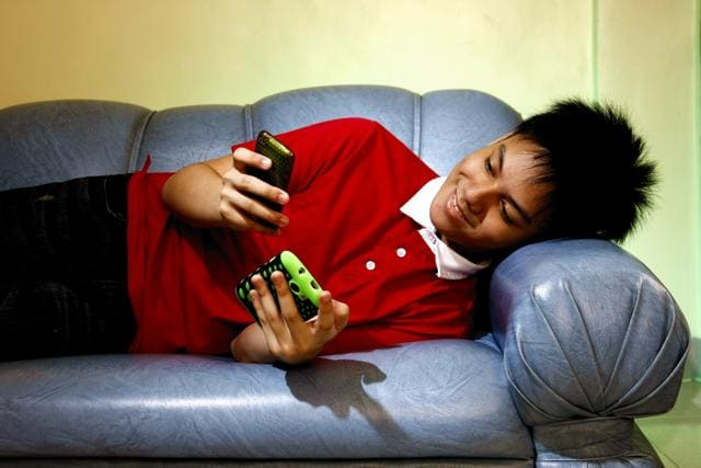 children and gadgets,Addicted to gadgets,Gadget phobia