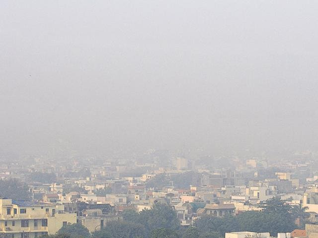 Experts said that the use of firecrackers on Diwali was not the only reason for the alarming rate of air pollution.