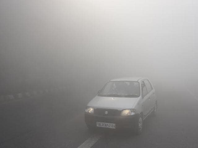 Thick smog enveloped Delhi on October 31, 2016, following the festival of Diwali.(PTI)