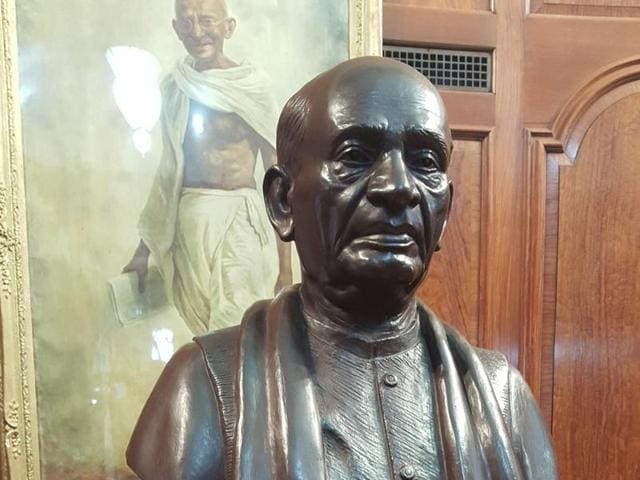 Photo of Sardar Patel's statue in the Gandhi Hall of the Indian high commission, London.