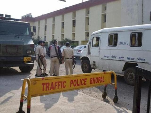 Police personnel guarding outside Bhopal Central Jail after 8 SIMI members escaped on Monday in Bhopal.