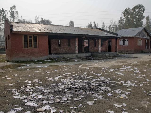Jammu and Kashmir,Schools ordered shut in Jammu,Ceasefire violations