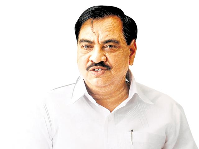 The activists claimed Khadse and his wife alone owned agriculture land of around 94 acres and non-agriculture land plots of 13.32 lakh sqft(HT File Photo)