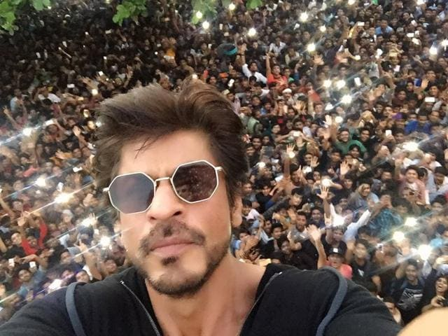 Shah Rukh Khan turned 51 on November 2 and tweeted a picture of the fans outside his house.