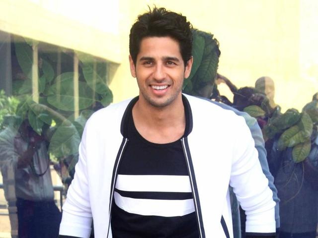 Sidharth Malhotra,Sky Diving,New Zealand