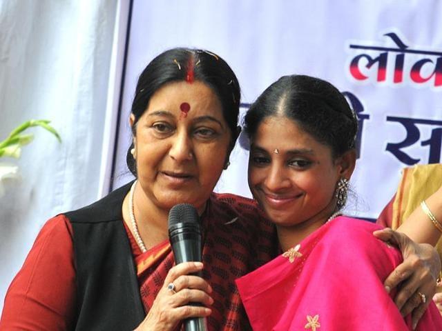 Sushma Swaraj,social media,Pakistan