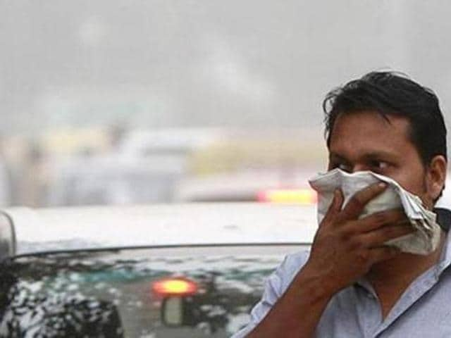 Delhi has experienced the worst smog in 17 years in the last two days where PM2.5 levels went upto 836.1 micrograms per cubic meter on Monday and was 645.2 micrograms per cubic meter on Tuesday while the permissible levels of PM2.5 levels in India is 60 micrograms per cubic meters.