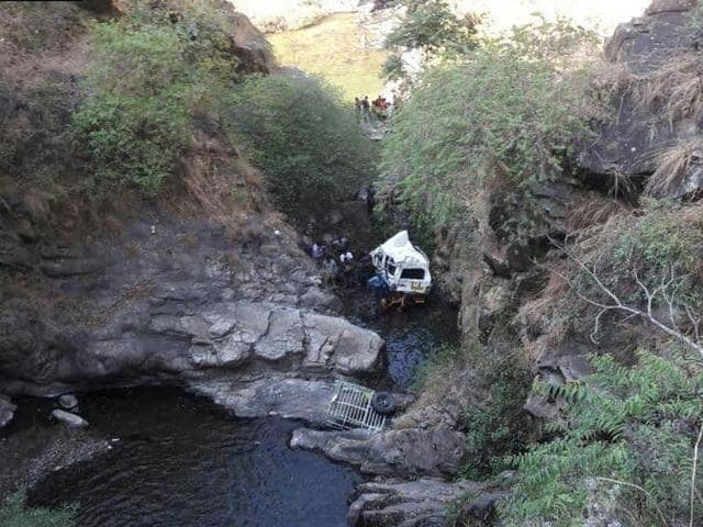 The vehicle fell into a deep gorge near Laachhi bridge in Pauri District yesterday.