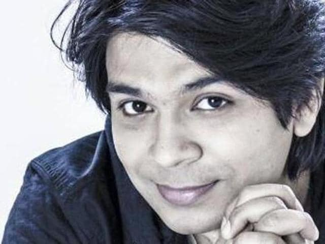Ankit Tiwari says he has no competition with Arijit Singh.