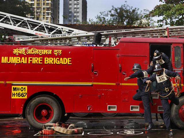 Fire in Mumbai building: Owner told to repair fire ...