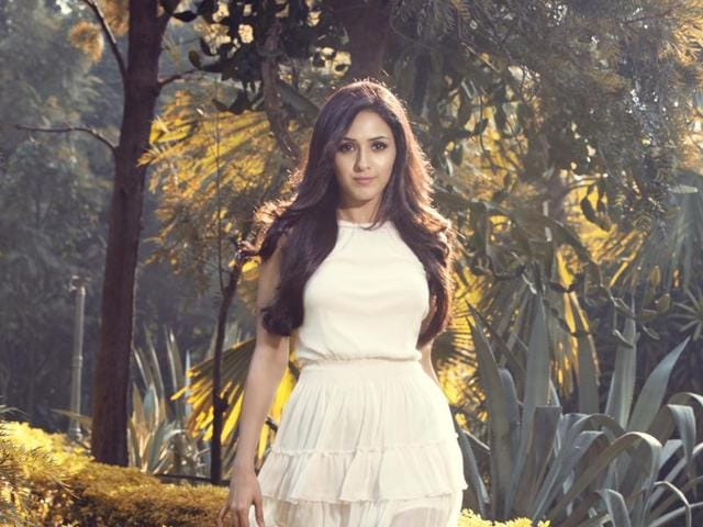Bollywood,Neeti Mohan,Social Media