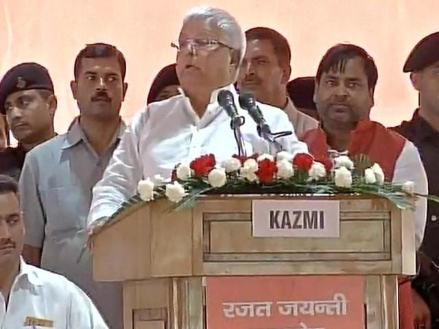 RJD chief Lalu Yadav addresses the gathering at the Samajwadi Party's silver jubilee event in Lucknow on Saturday.