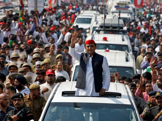 Akhilesh Yadav, chief minister of Uttar Pradesh and the son of Samajwadi Party (SP) chief Mulayam Singh Yadav, waves at his supporters during a Rath Yatra as part of an election campaign in Lucknow.
