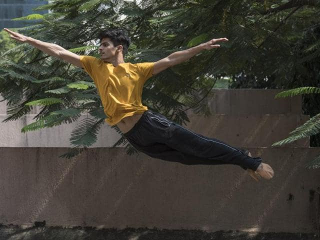 Manish  Chauhan, 21, is a die-hard Akshay Kumar fan. His interest in dance began in college, he says, when he first started to mimic the stunts he saw on TVand in the movies.