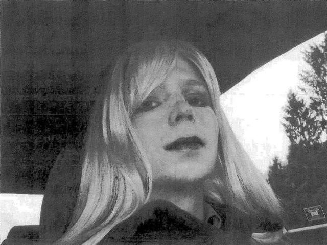 Transgender US soldier Chelsea Manning,who is serving a 35-year-sentence for releasing government archives to WikiLeaks, tried to commit suicide for the second time during a stint in solitary confinement, a punishment given to her for her first attempt.