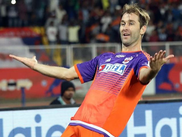 Goals from Eduardo Ferreira (41st minute) and a successful penalty by Anibal Rodriguez (56th) ensured three points for Pune.